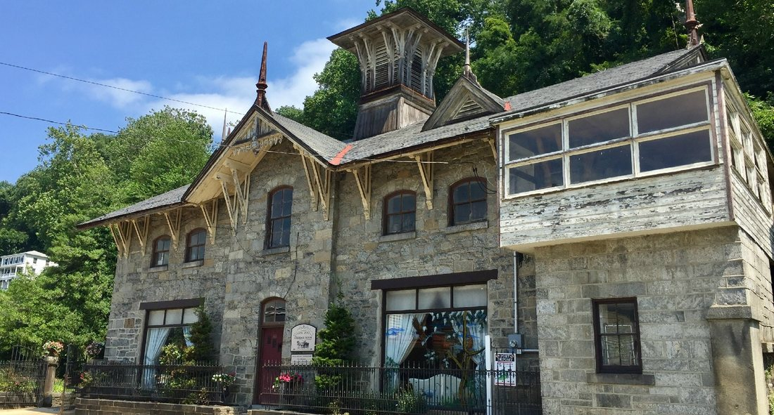 carriage house of port deposit exterior